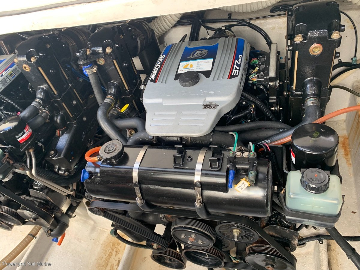 Mustang 3800 Sportcruiser DTS throttles