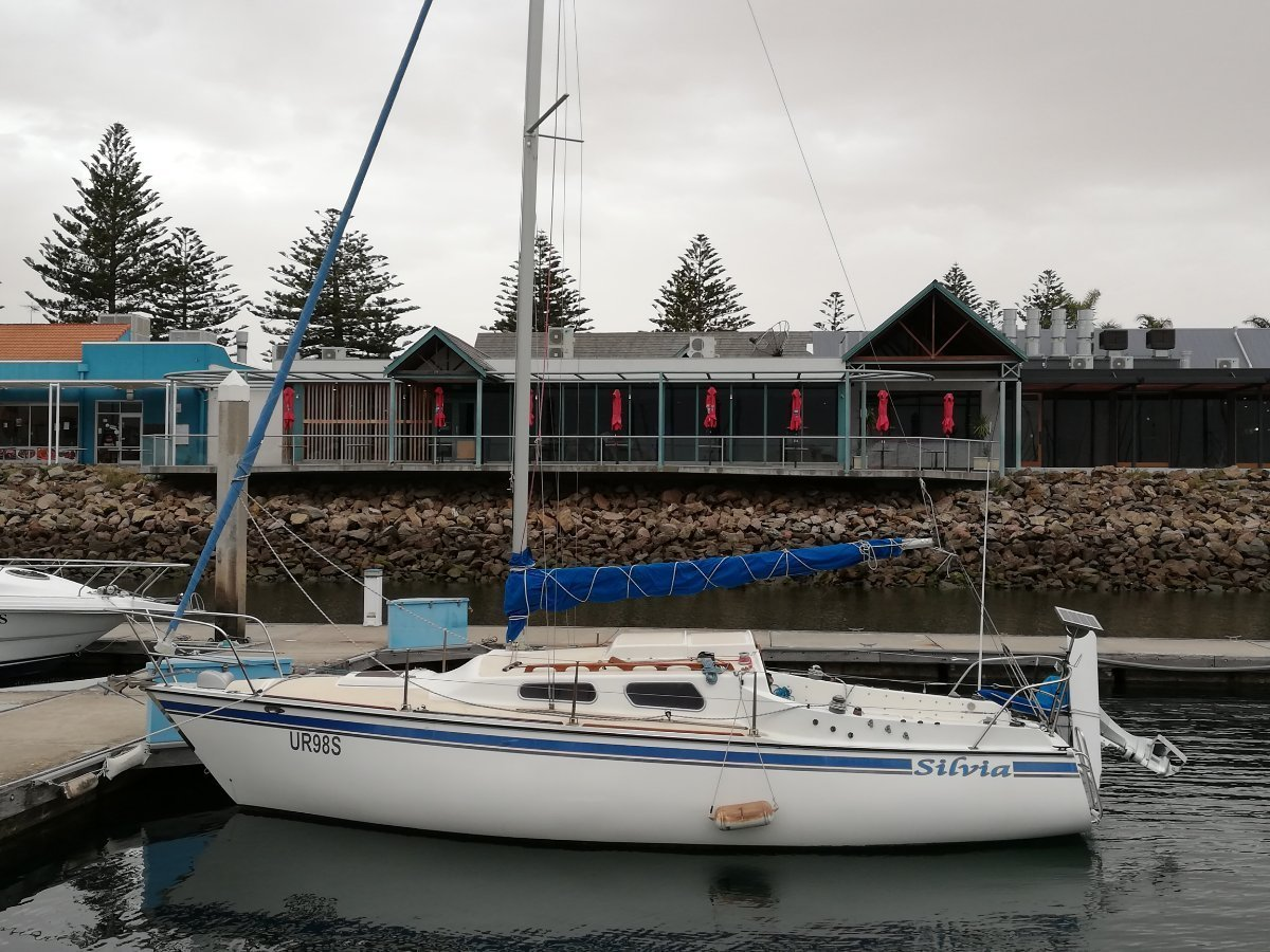 Austral 24 Trailer Sailer:Ready to Sail