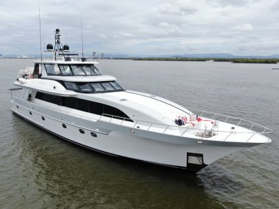 Westport Motor Yacht 102