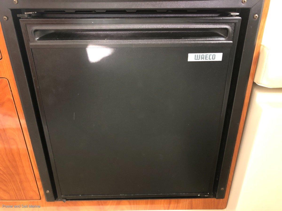 Four Winns Vista 278 2019 trailer, Just serviced, never anti-fouled!