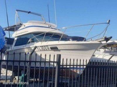 Riviera 27 Flybridge Cruiser