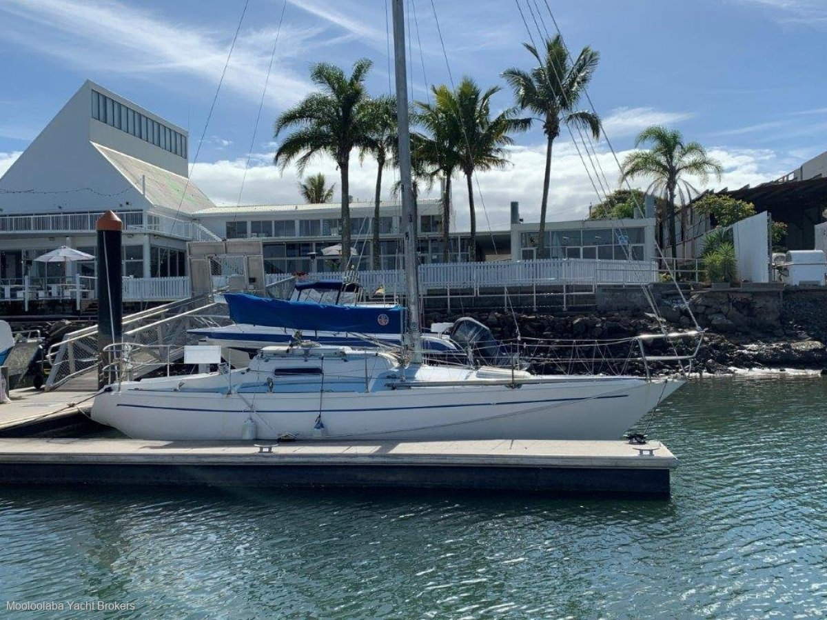 Savage 30 Defiance Make an offer - (Can include 10m Berth)