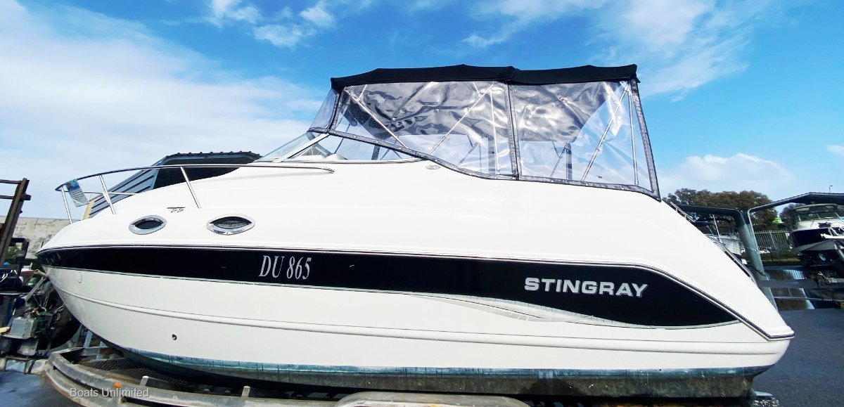 Stingray 240CS ROTTO AND CANAL CRUISER VERY SOCIAL LAYOUT
