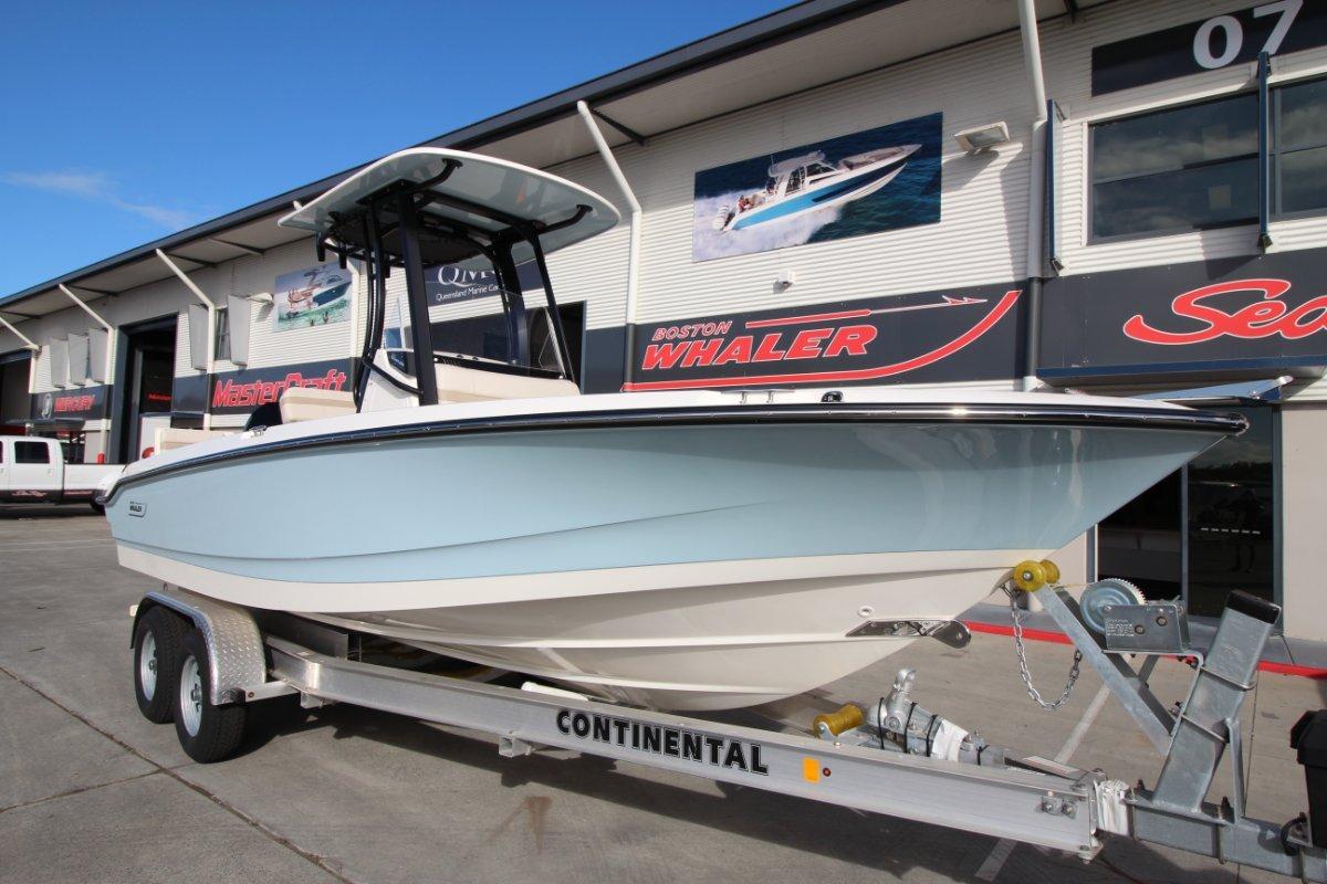 Boston Whaler 220 Dauntless Centre Console