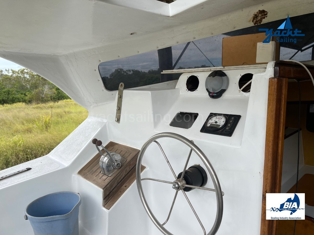 Simpson 30 Refitted to live the dream on this Livaboard Cat