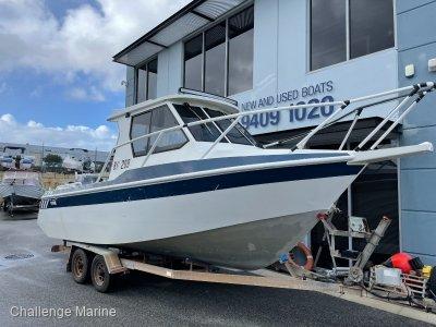 Seaquest Razerline 7.6mt overall 2014 model 225 HP Yamaha