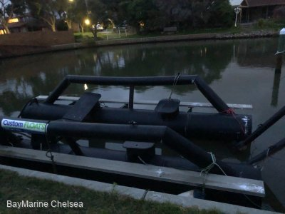 Pontoon suit up to 6M boat