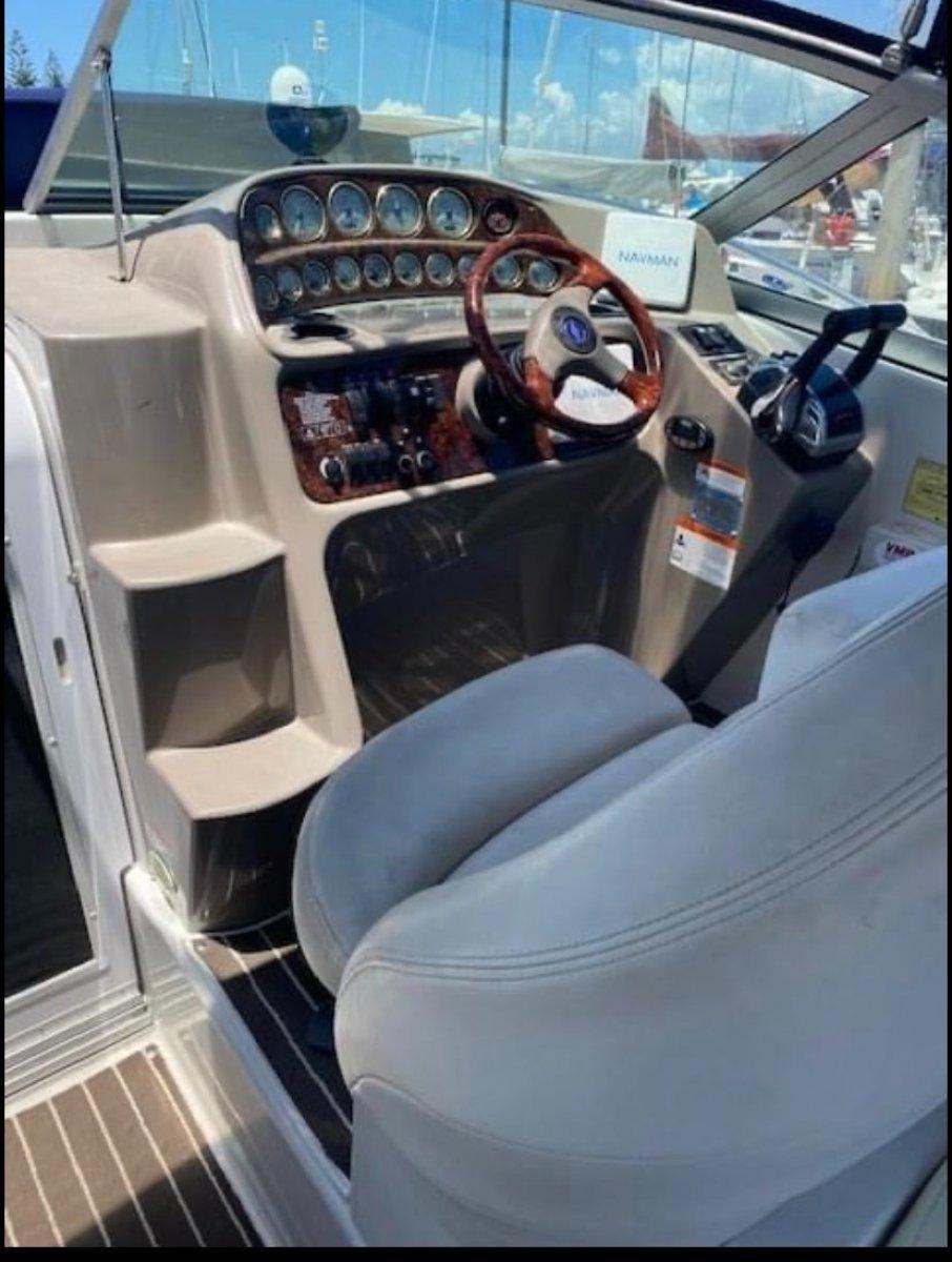 Four Winns Vista 298 MERCRUISER NEW ENGINES