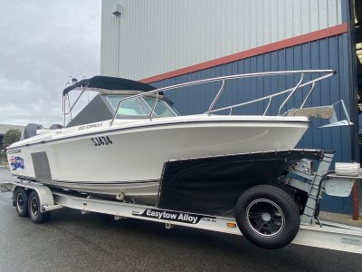 Edencraft 233 Formula 2015 hull & Twin 300Hp engines...- Click for more info...