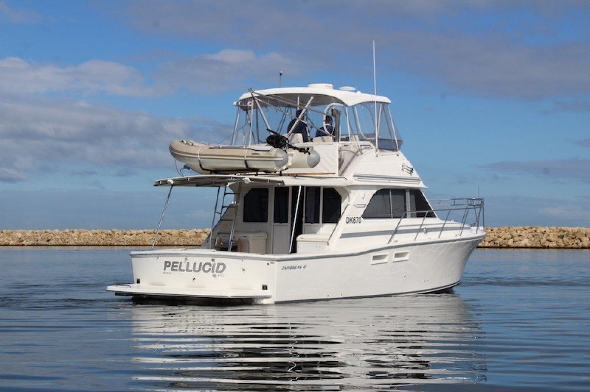 Caribbean 40 Flybridge Cruiser With twin Caterpillar Diesels