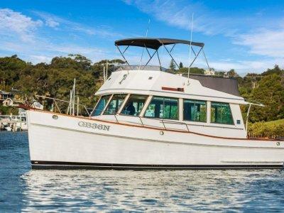 Grand Banks 36 Flybridge Cruiser