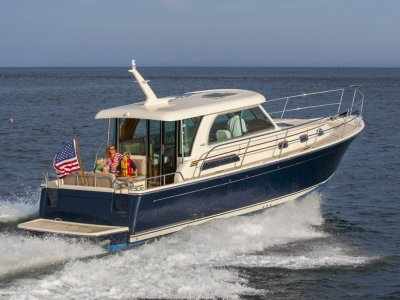 Sabre Motor Yachts 38 Salon Express Maine USA Built Downeast Style Luxury Cruiser