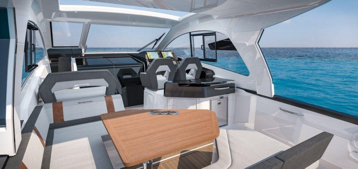Beneteau Gran Turismo 32 OB Outboard Express Cruiser