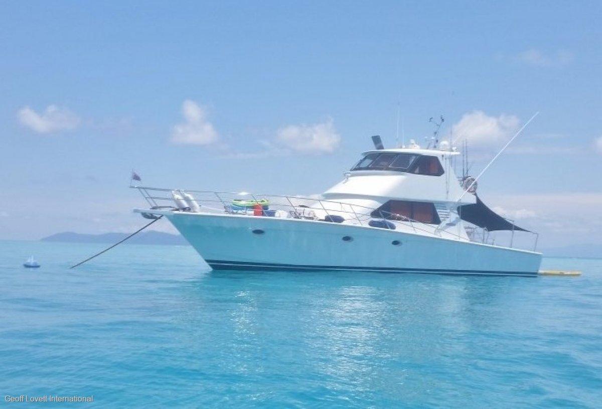 Precision Cruisers 65 Sport Fisher Flybridge Cruiser