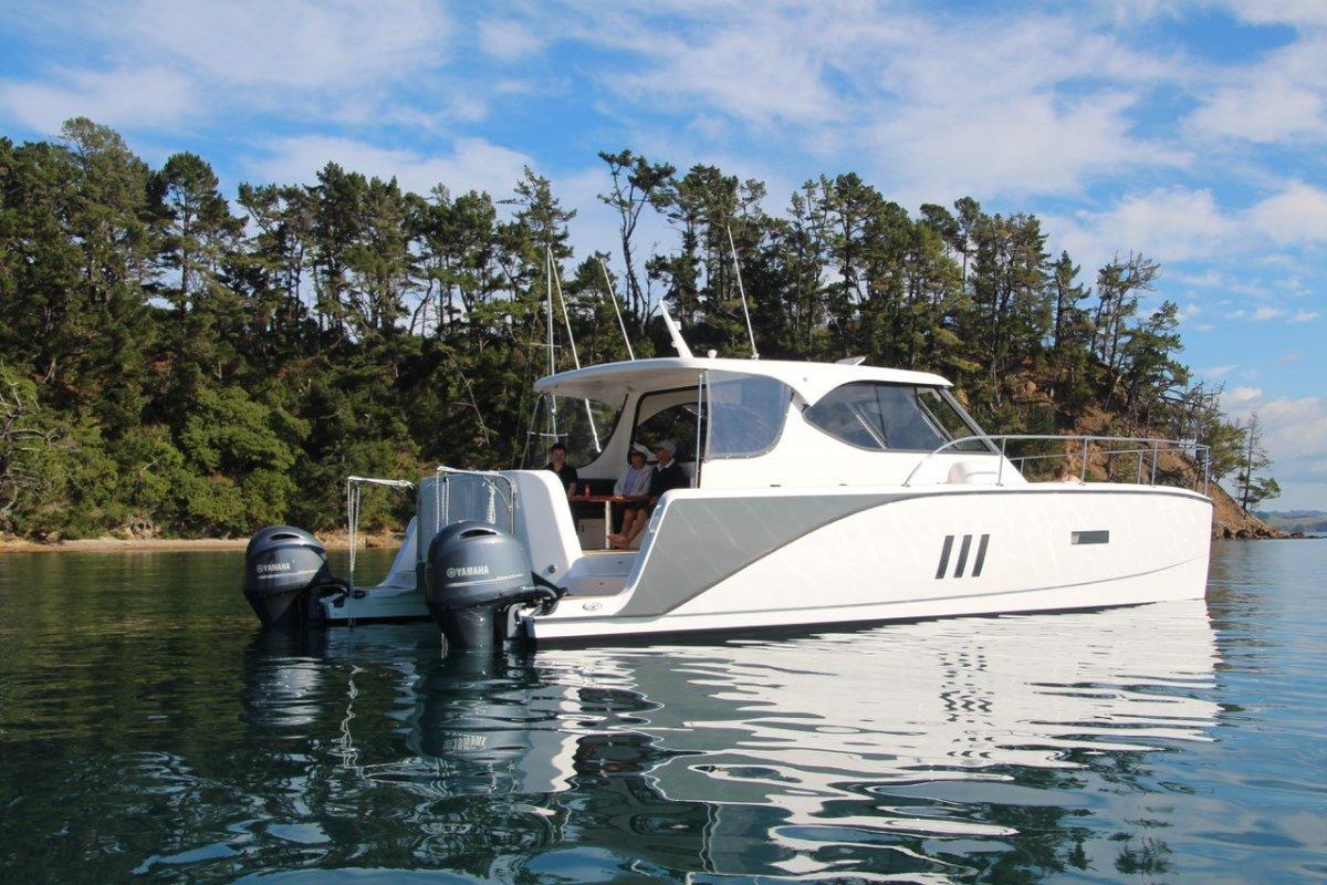 Fusion Catamarans Prowler 10.8SF Power Cat