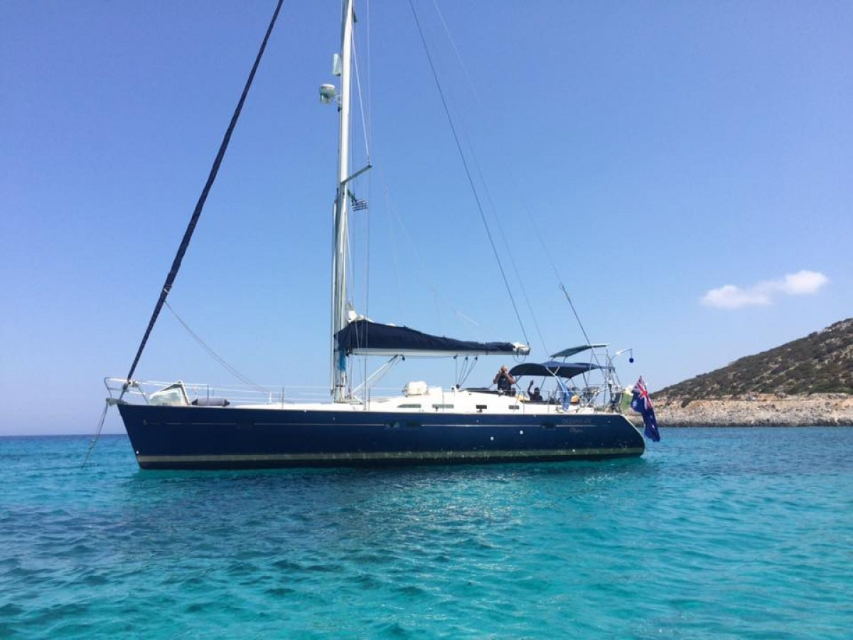 Beneteau 473 Oceanis Clipper, 3 cabin, Owners Model.:Tag at anchor.
