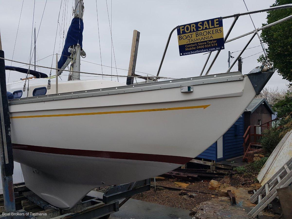 Compass 29 Fibreglass sloop rigged. Ideal entry level cruiser