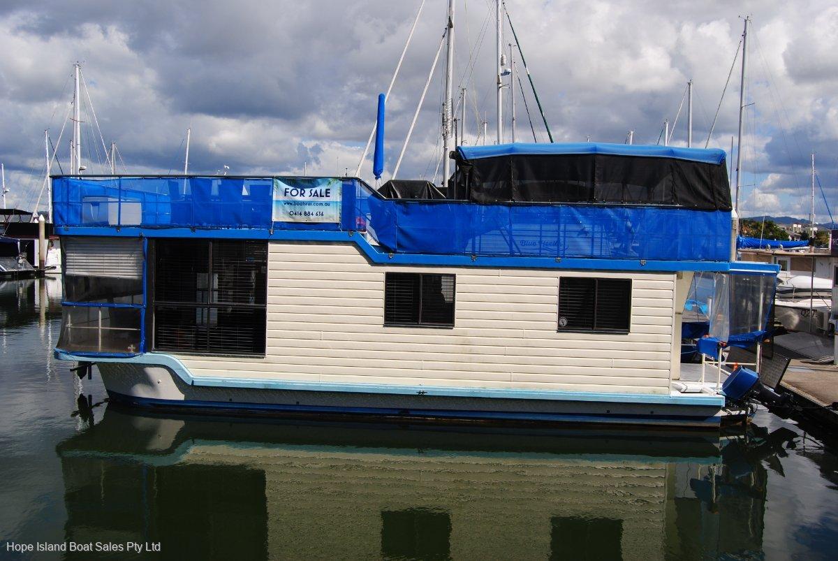 Nustar 42 Homecruiser:External