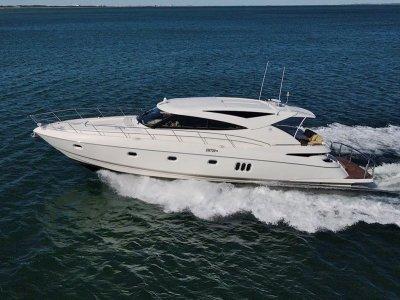 Riviera 5800 Sport Yacht *** Beautifully presented ***