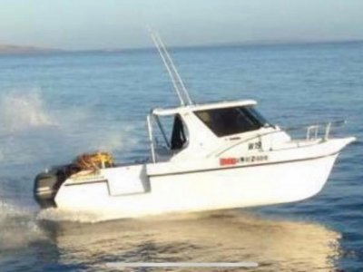 Leisurecat 8000 Sportsfisher Set up for commercial Diving
