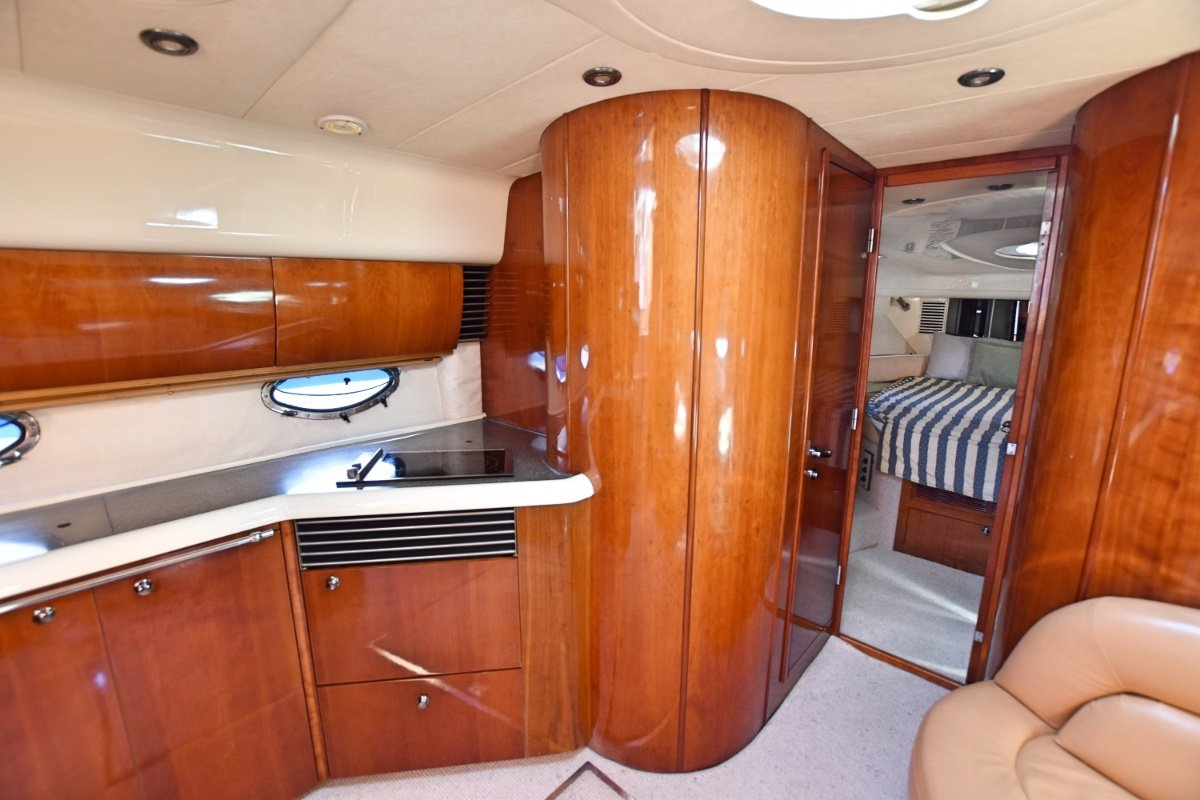Fairline Targa 48 This Fairline Targa 48 is a leader of its class wi
