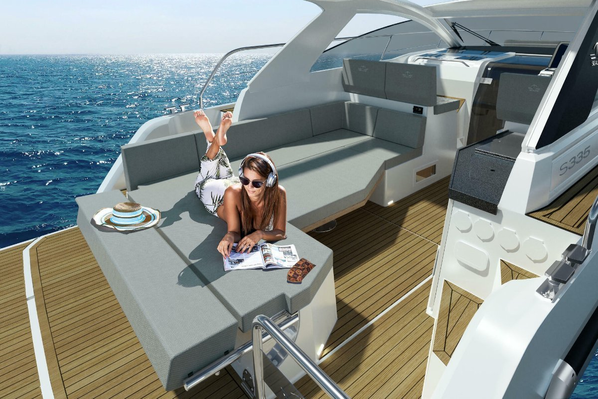 Sealine S335 New Model - Well Equipped - Discounted Euro 22,691