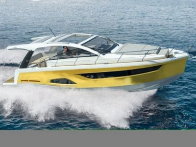 Sealine S390 New Model - Equipped & Discounted Euro 22,775