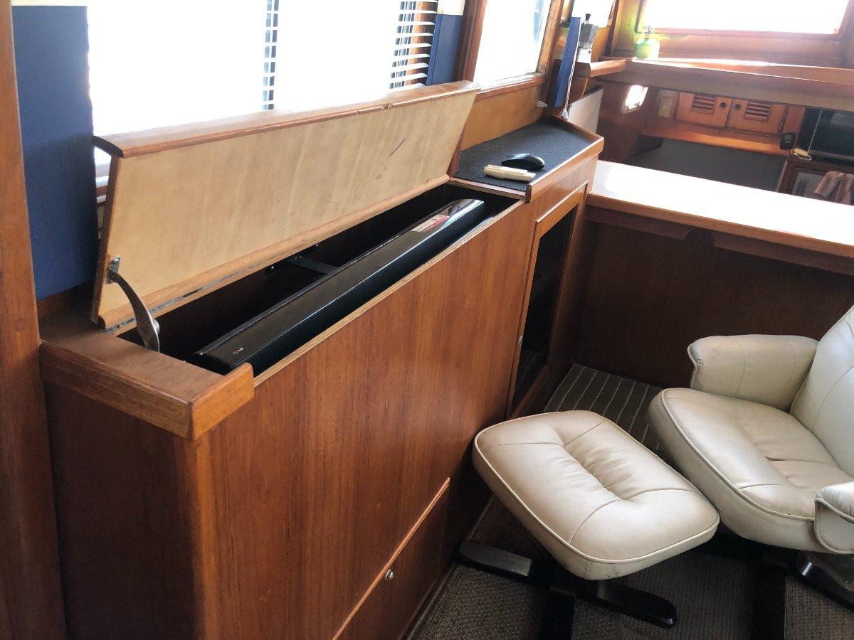 Grand Mariner Twin Engine Cruiser