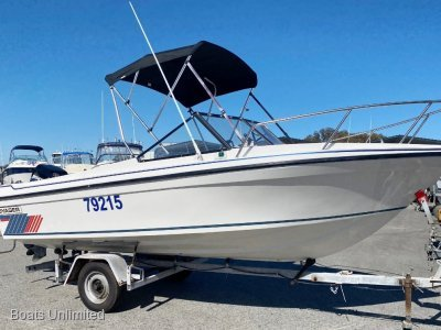 Voyager 525 VIP Runabout GREAT FIRST BOAT NICE HIGH GUNNEL EDGES