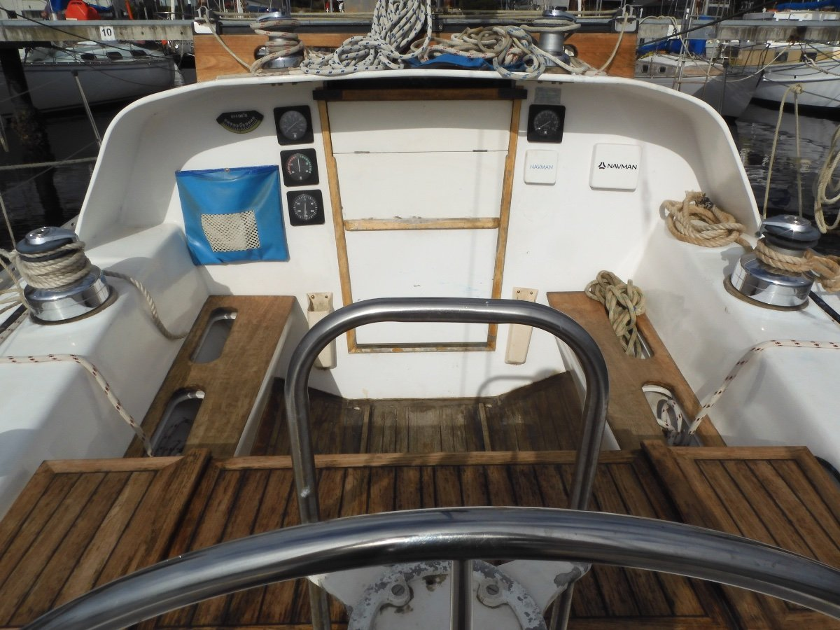 Roberts 34 WELL BUILT, CHARMING FIT OUT, GREAT OPPORTUNITY!