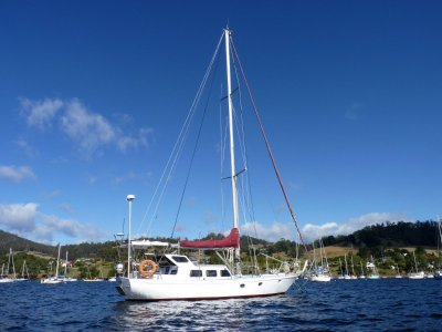 Endurance 45 - Professionally built, rolled steel hull.