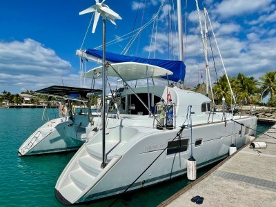 Lagoon 380 Owner's Version - Never chartered -Cruise-ready