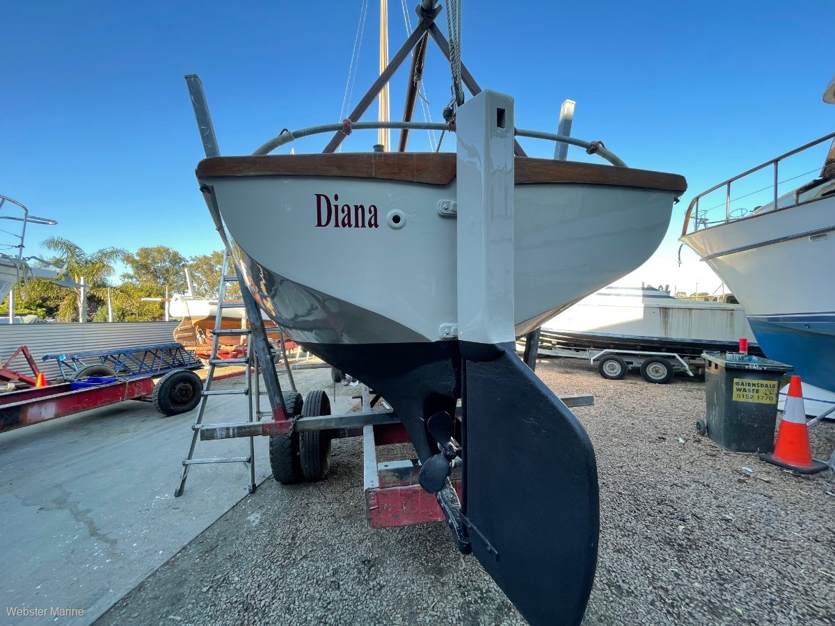 Custom Couta Style Lakes Fishing Boat