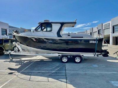 Bruce Roberts 8m Coastal Worker hardtop- Click for more info...