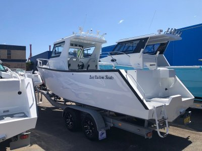 Lux Custom Boats 7500WA 7500WA