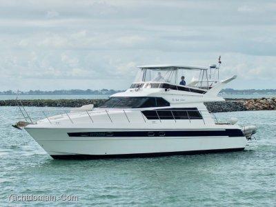 Vitech 56 Flybridge Cruiser