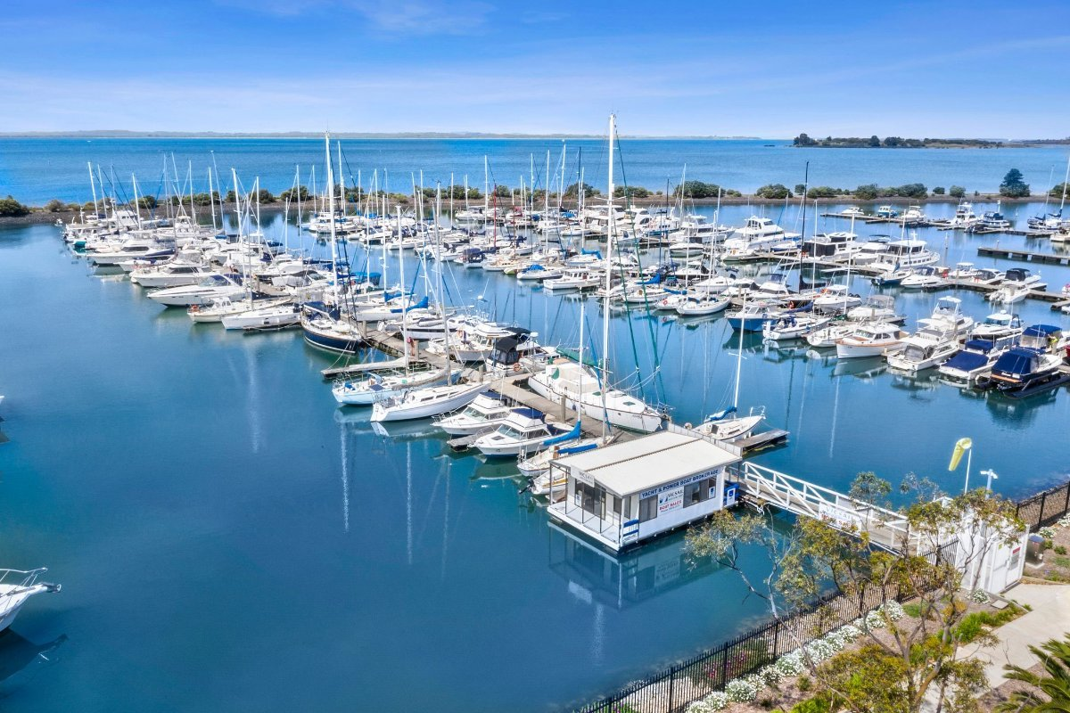 BOAT BROKERAGE FOR SALE WITH FLOATING OFFICE on the Mornington Peninsula:B Row with Office