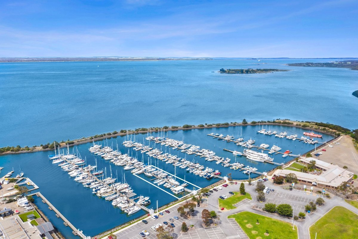 BOAT BROKERAGE FOR SALE WITH FLOATING OFFICE on the Mornington Peninsula:Western Port Marina