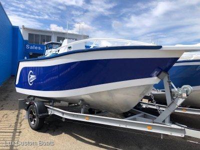 Lux Custom Boats 4600CC 4.6m Centre Console