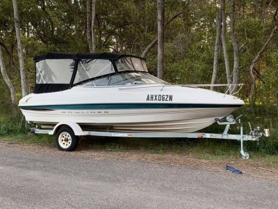 Bayliner 2050 Ciera - Great day boat or weekender for the family