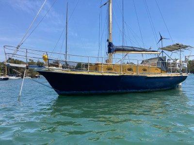 Roberts 33 Diesel Fibeglass yacht Can Be Paid Off No Interest