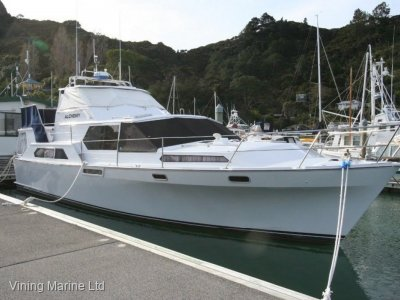 Woolley 13.5 Mid Pilothouse