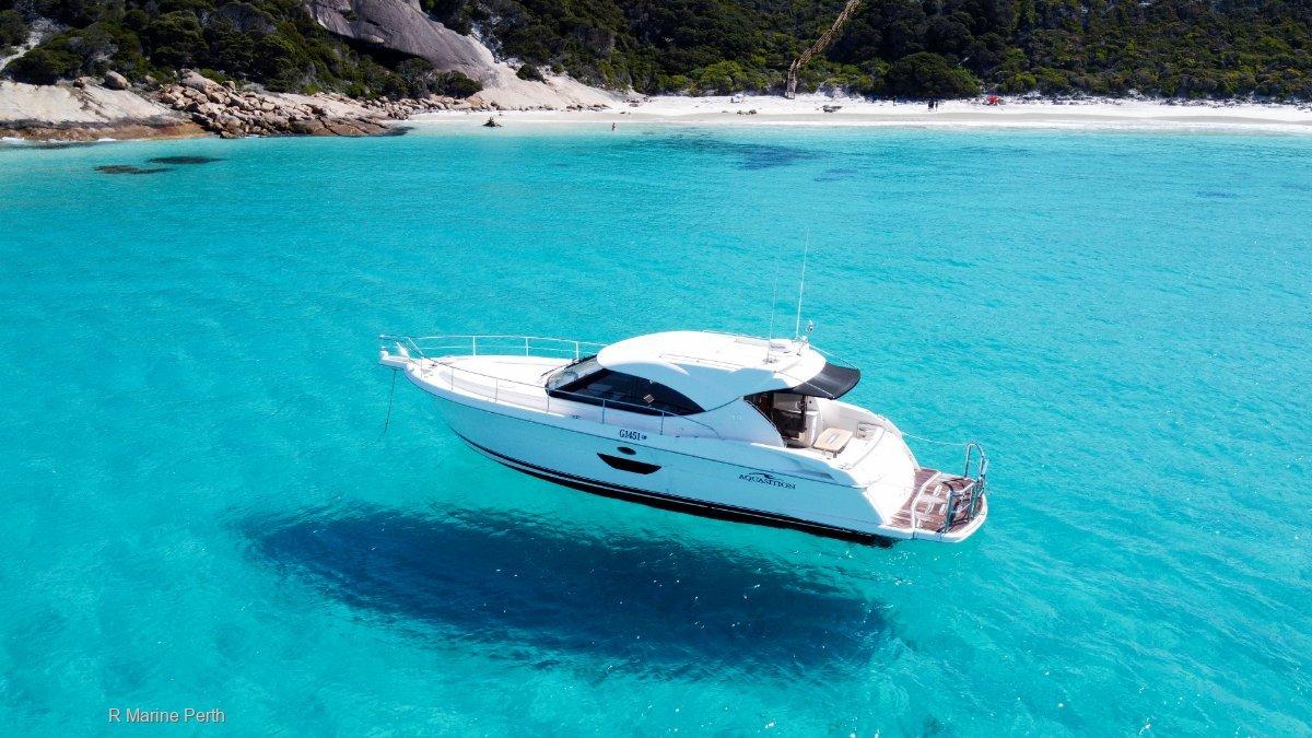 Riviera 4400 Sport Yacht with 1 brand new engine!