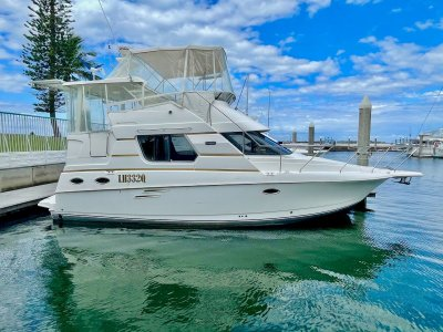Silverton 322 Motor Yacht- Click for more info...