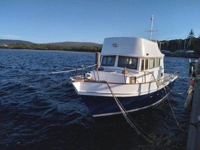 Grand Banks Flybridge Cruiser 32