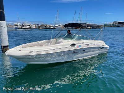 Sea Ray 240 Sundeck NEW 2020, MerCruiser engine, 20 hours.... TURN KEY