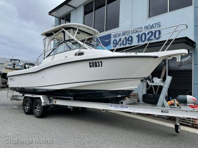 Boston Whaler 235 Conquest Just Serviced this week