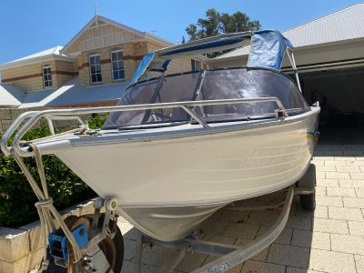 Quintrex 500 Sea Breeze Hydraulic steering and 90hp Yamaha outboard