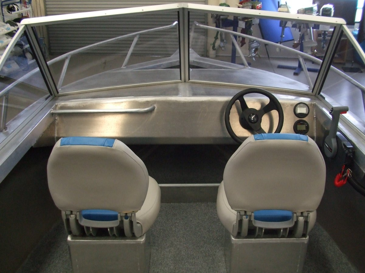 """Coraline """"SERIES II"""" 460 RUNABOUT, SIDE OR CENTRE CONSOLE"""