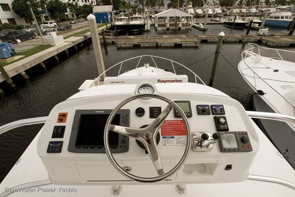 Luhrs 37 Open Tower